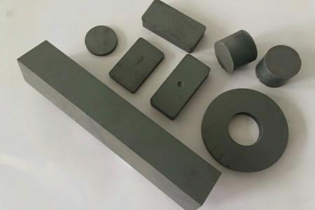 Ferrite / Ceramic Magnetic
